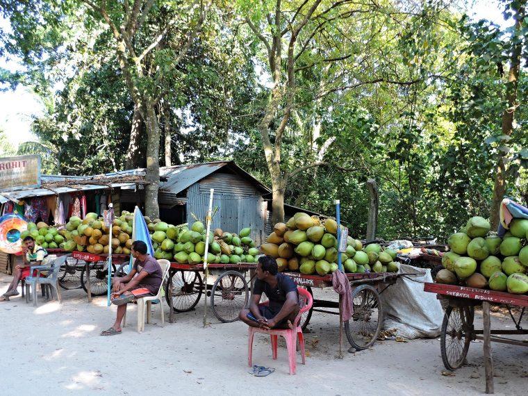 105.Market Drink Coconut